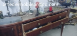 mobili solenni color oro